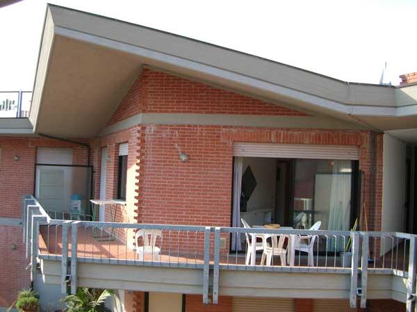 Marina di Massa appartamento 4-5 posti letto