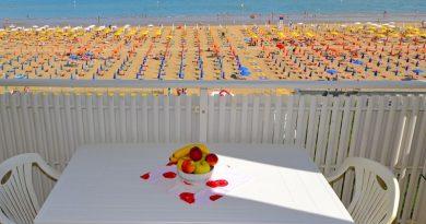 Lignano Sabbiadoro appartamento vacanze 6 posti letto fronte mare