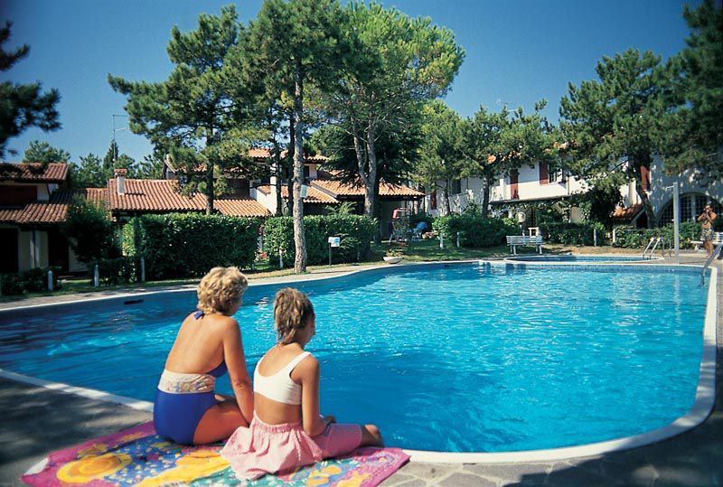 appartamento a Lignano Pineta in residence con piscina